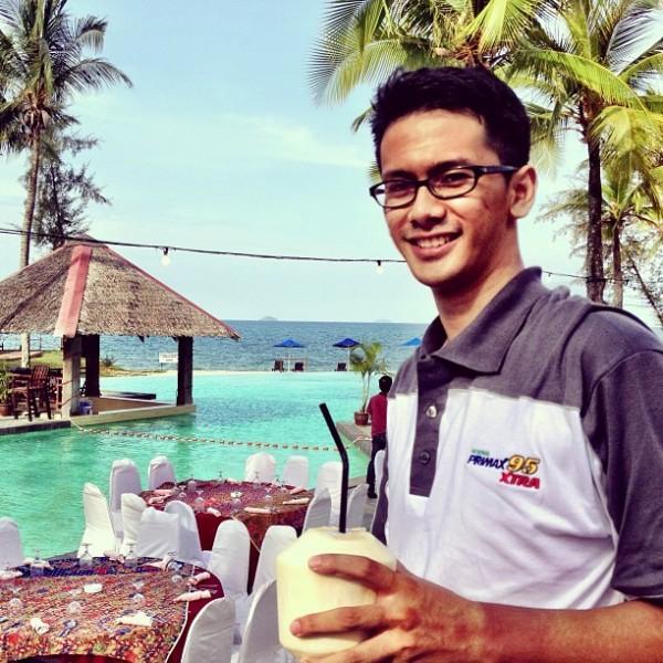 Perfect view. Sutra Beach Resort ni nampaknya sesuai untuk pasangan berhoneymoon. ehem..